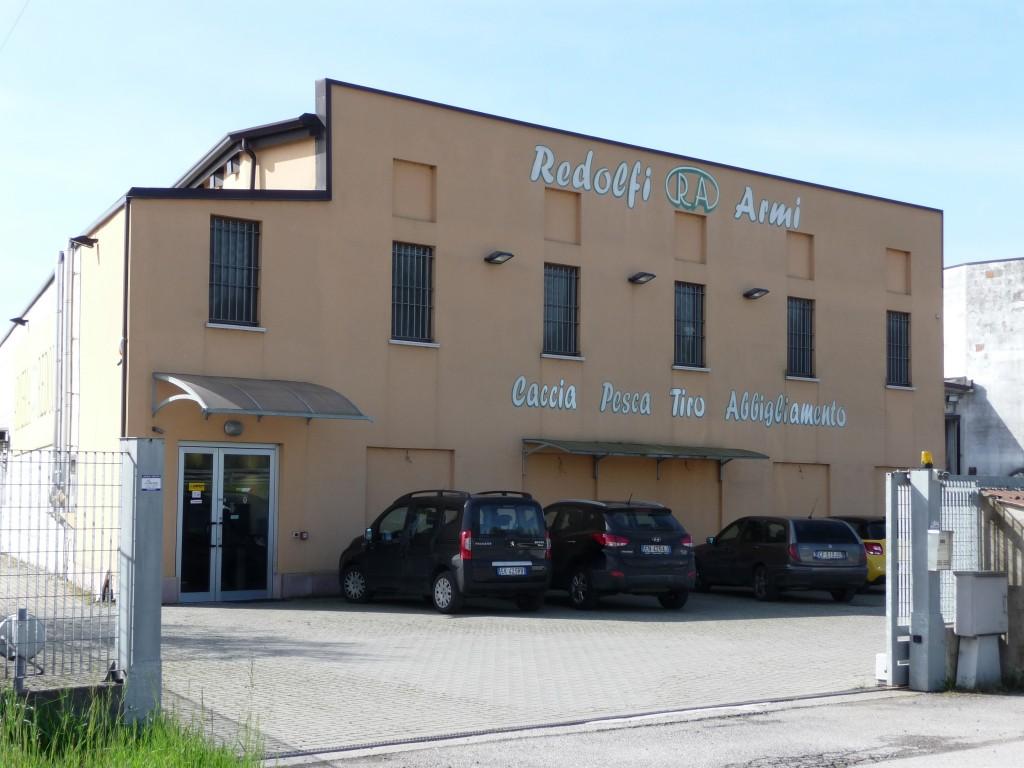 Redolfi ARMI - výrobní závod a skladové zázemí firmy ve městě Manerbio